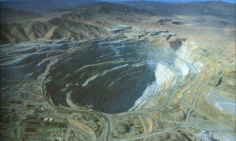 Chuquicamata estaría perdiendo rentabilidad por baja del cobre