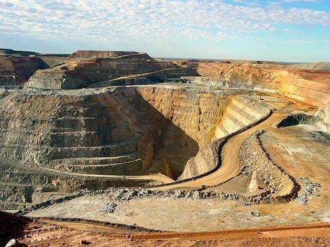 Chinalco Group abandonaría su oferta por la mina peruana de Glencore