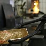Prevén baja en la producción de oro para 2015