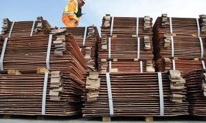 Codelco reduciría producción y venta de cobre refinado en 2015
